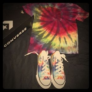 Tie Dyed Tee & Converse 11C